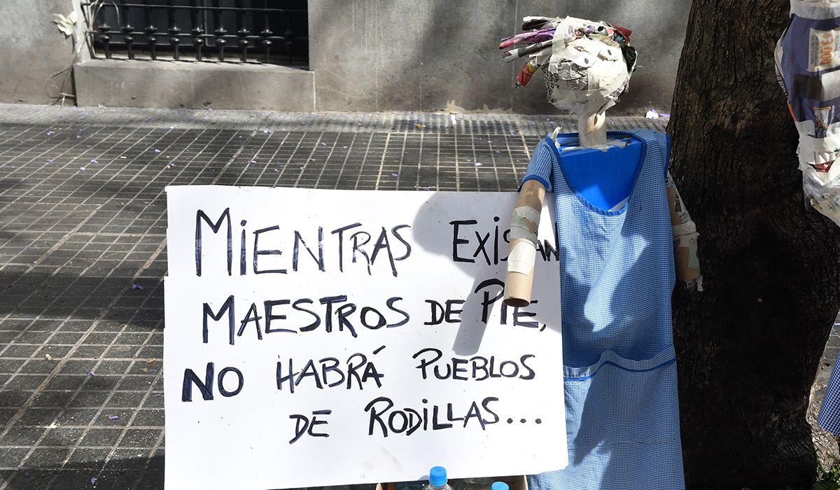En medio de fuertes protestas, la Legislatura porteña creó la UniCABA para formación docente