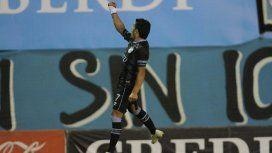 El Pulga Rodríguez celebra su golazo