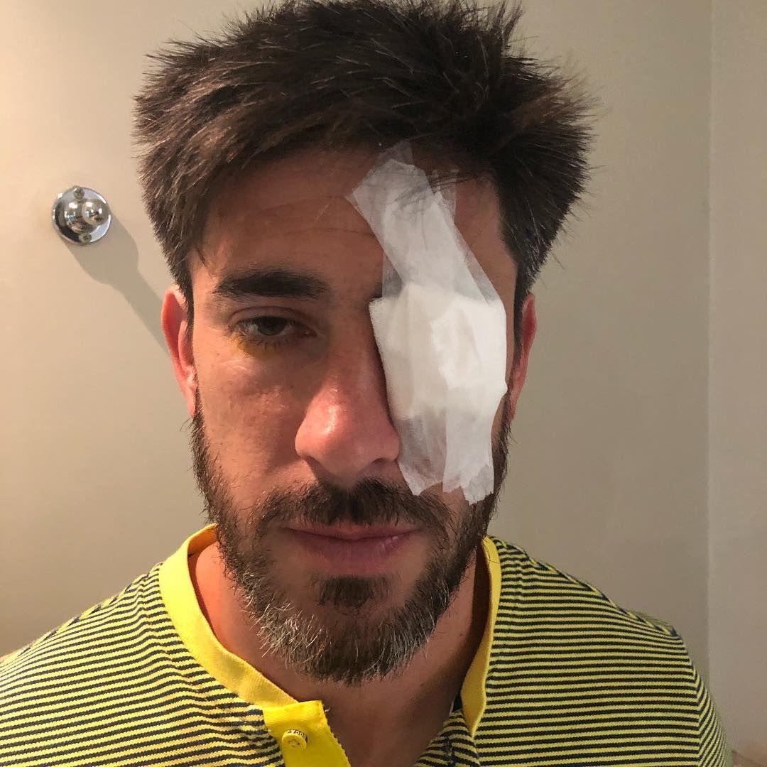 Pablo Pérez tiene un apósito en el ojo izquierdo