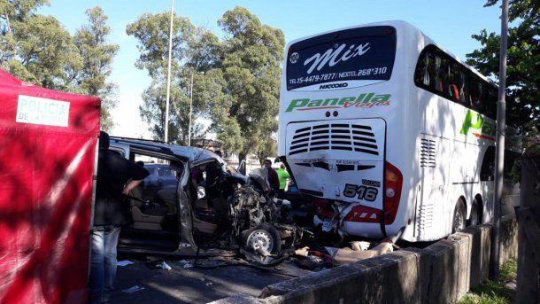 Choque fatal en General Paz. Foto: Rosalía Costantino.