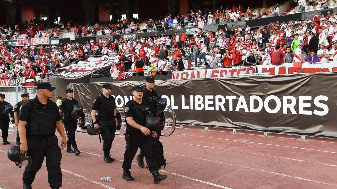 Allanaron el Monumental por la reventa de entradas para la Superfinal de la Libertadores