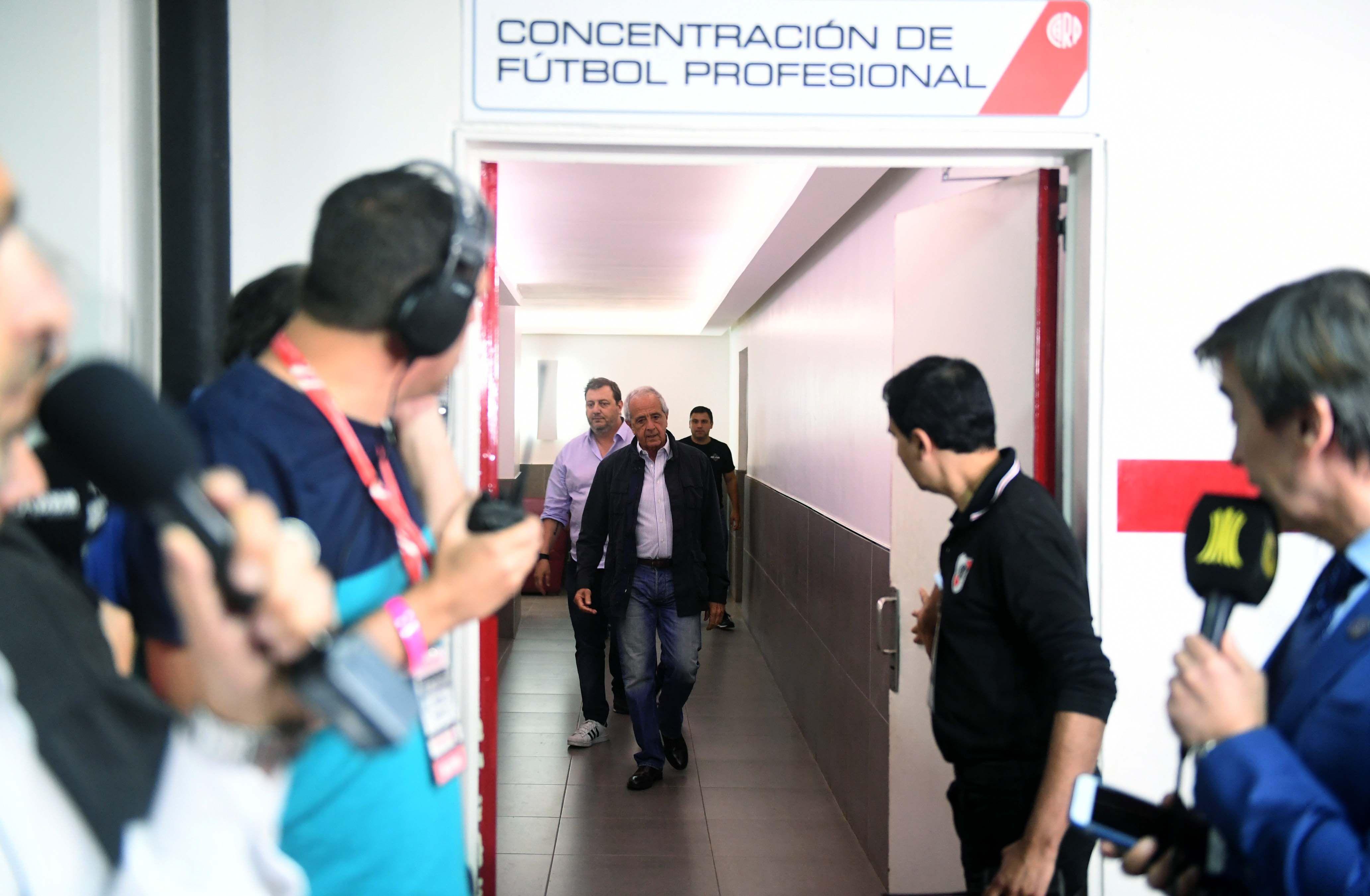 DOnofrio y Angelici ya están reunidos en Paraguay: Conmebol ratificó que la final se jugará