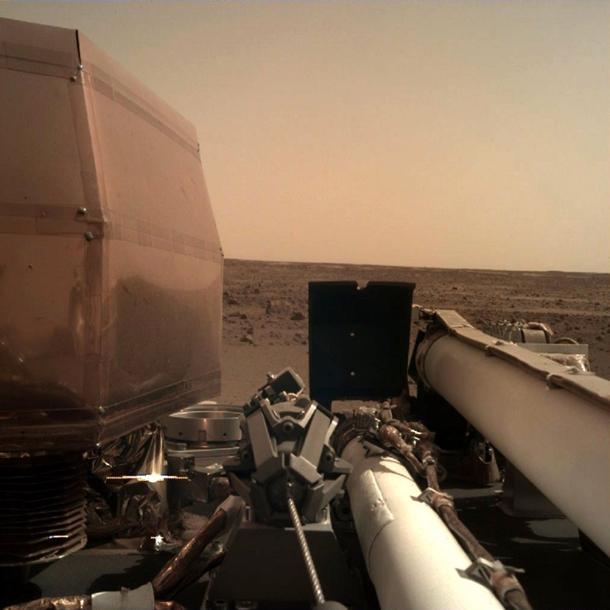 La NASA publicó las primeras fotos de Marte sacadas por la sonda InSight