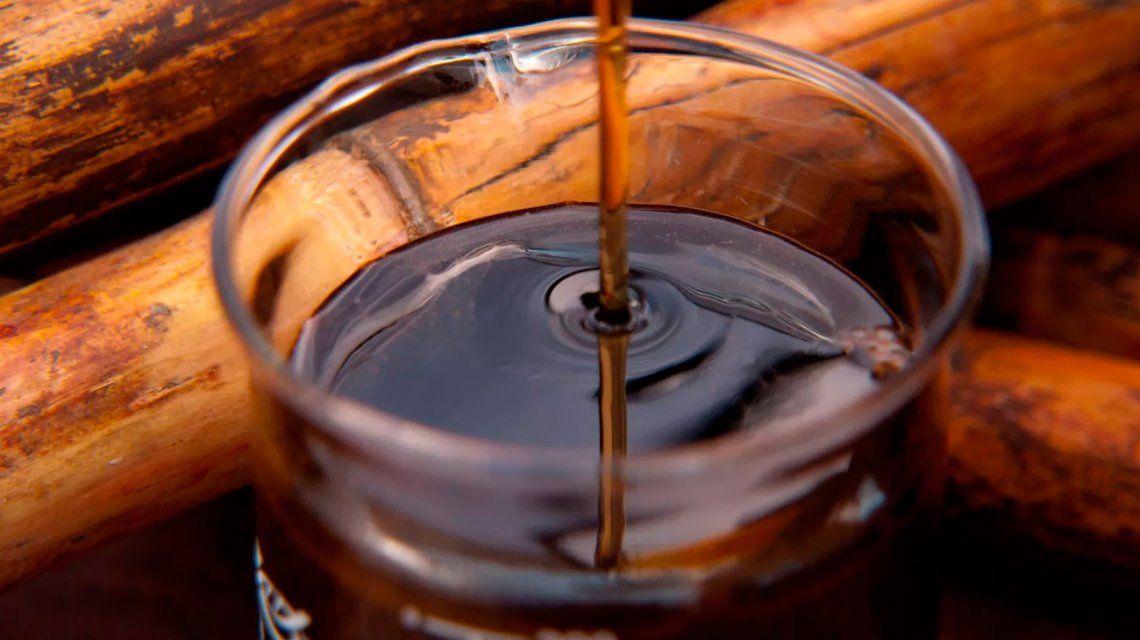 La ANMAT prohibió la venta de una miel de caña, un arrope de tuna y otro de arándanos