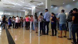 Un banco deberá pagarle $40 mil a un cliente por hacerlo esperar