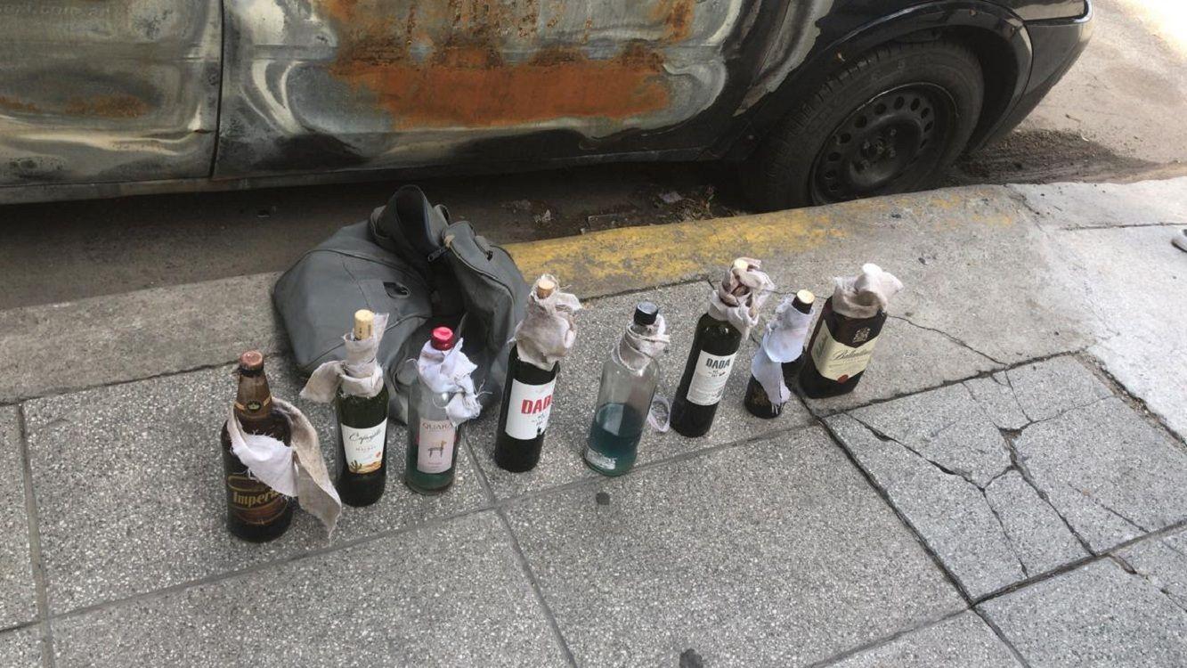 Encontraron ocho bombas molotov