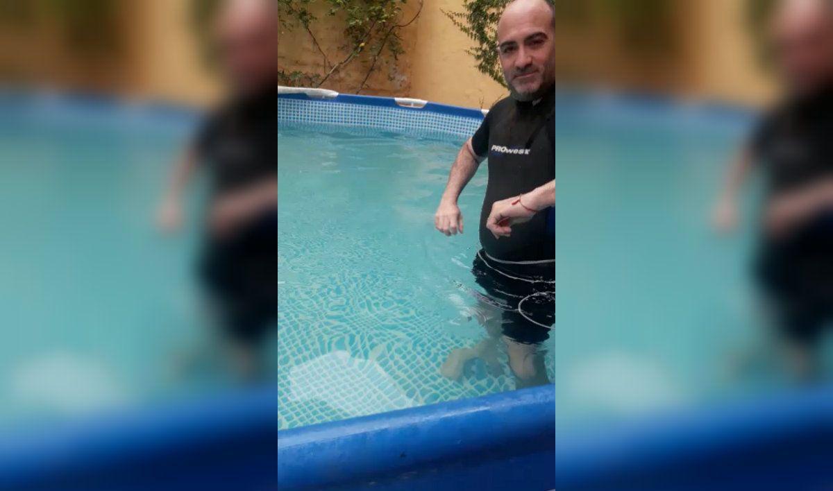 La ingeniosa solución para poder hacer natación en una pileta de lona