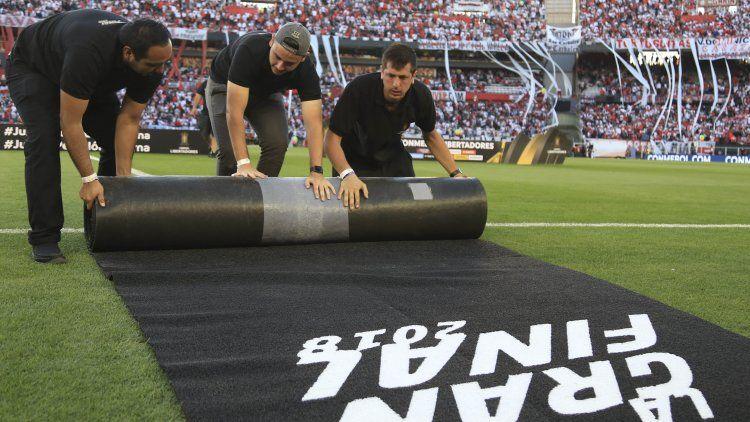 La Superfinal en el Monumental fue suspendida y trasladada a España por incidentes