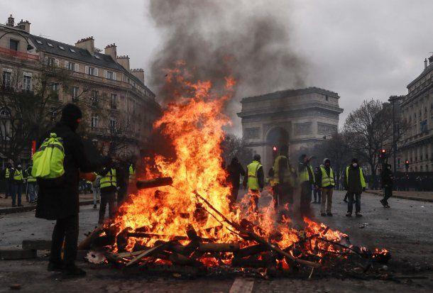 Más de 100 detenidos por las protestas de los