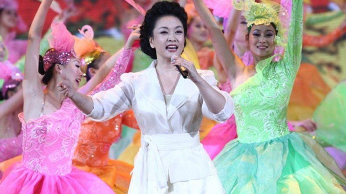 VIDEO: Así canta Peng Liyuan, la primera dama china