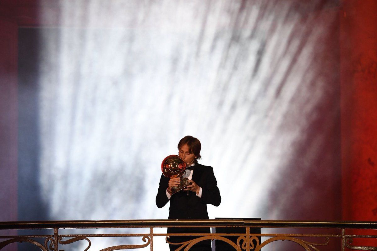 Luka Modric con el Balón de Oro