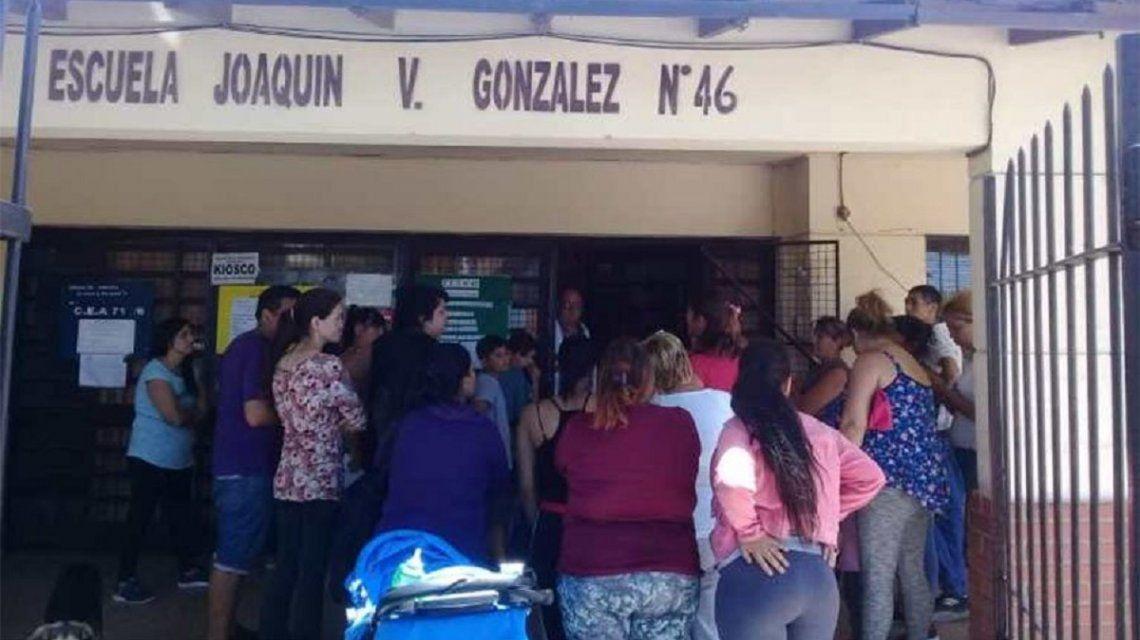 Berazategui: un grupo de padres atacó a golpes a una docente