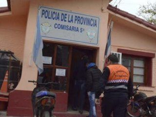 tension en una comisaria de santiago del estero: motin, incendio y fuga