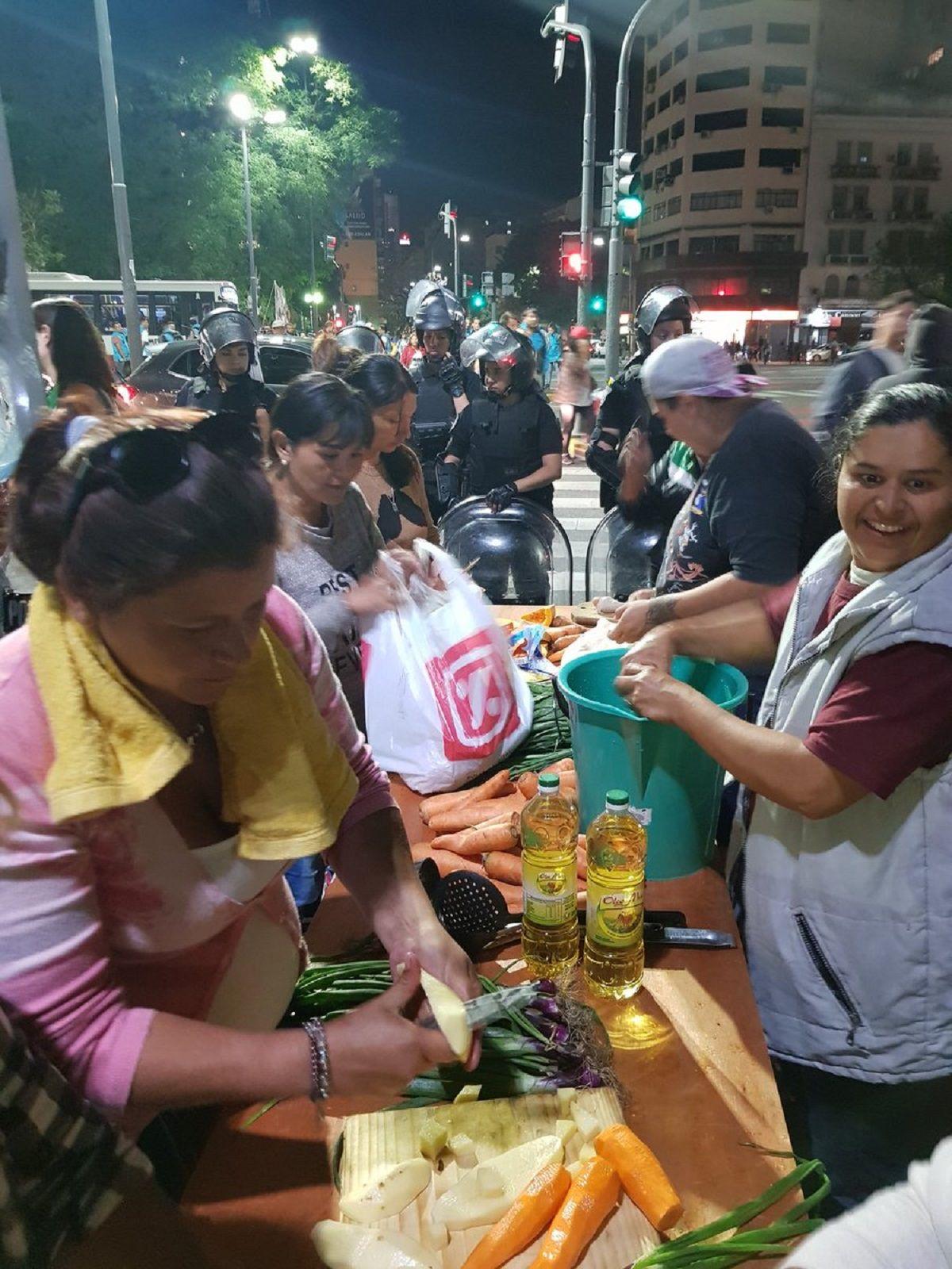 Acampe de Barrios de Pie frente a Desarrollo Social - Crédito:@BarriosdePieCap
