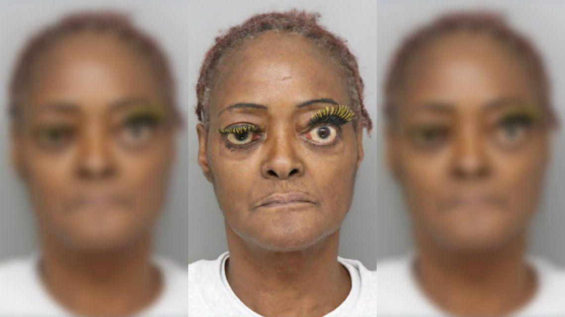 La detuvieron por tirarle aceite hirviendo a su vecina y su foto de prontuario se hizo viral por sus pestañas