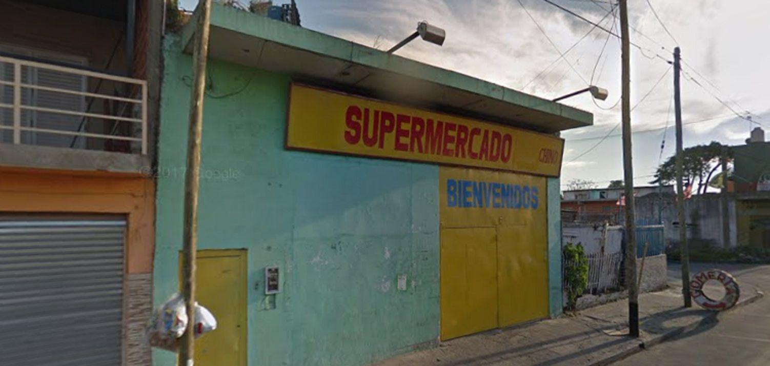 Un policía intentó robar un supermercado chino en Isidro Casanova