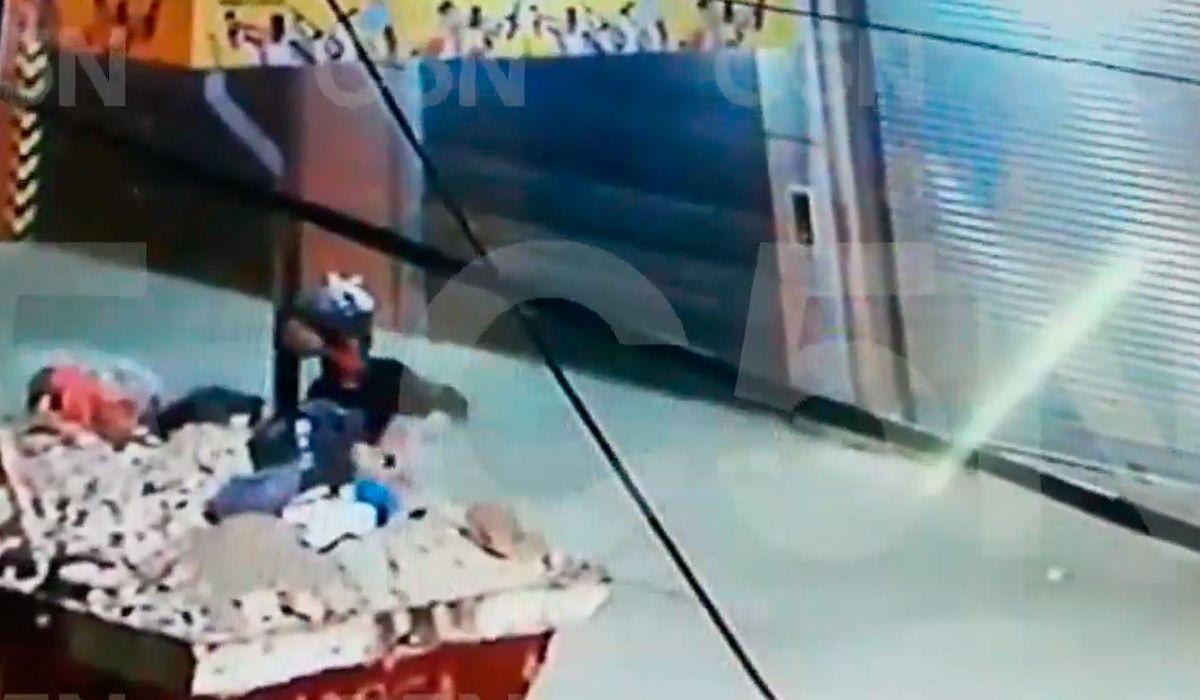 VIDEO: Así se deshacía el femicida de Loma Hermosa del cuerpo de su pareja