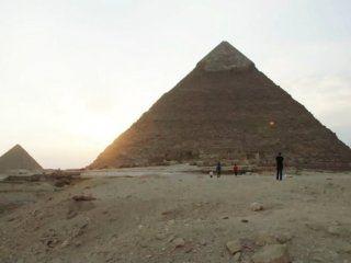 buscan a una pareja que tuvo sexo en las piramides de guiza