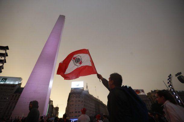 El Obelisco se colmó de hinchas de River<br>
