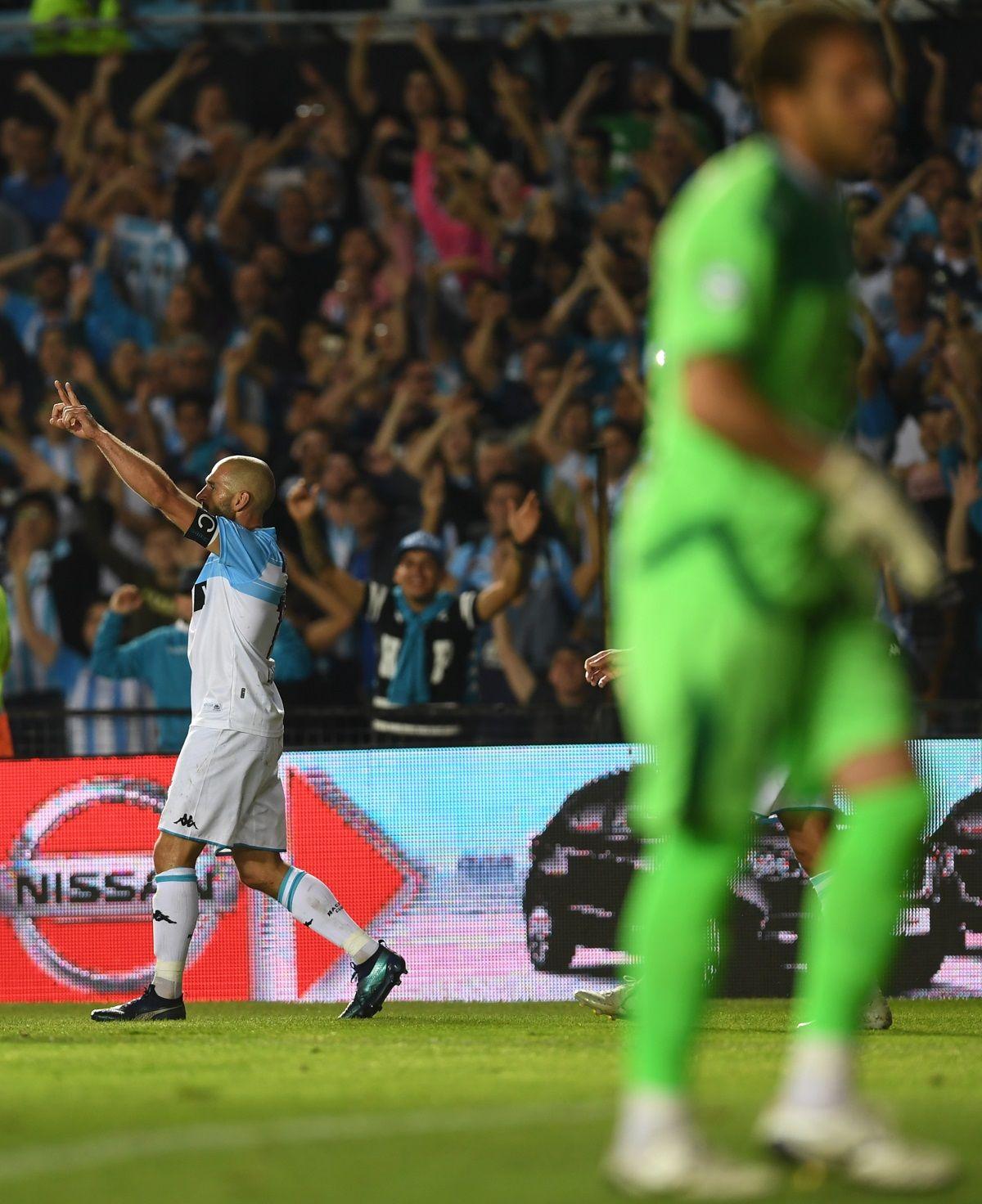 Racing le ganó a San Martín de San Juan y se afianza como líder de la Superliga