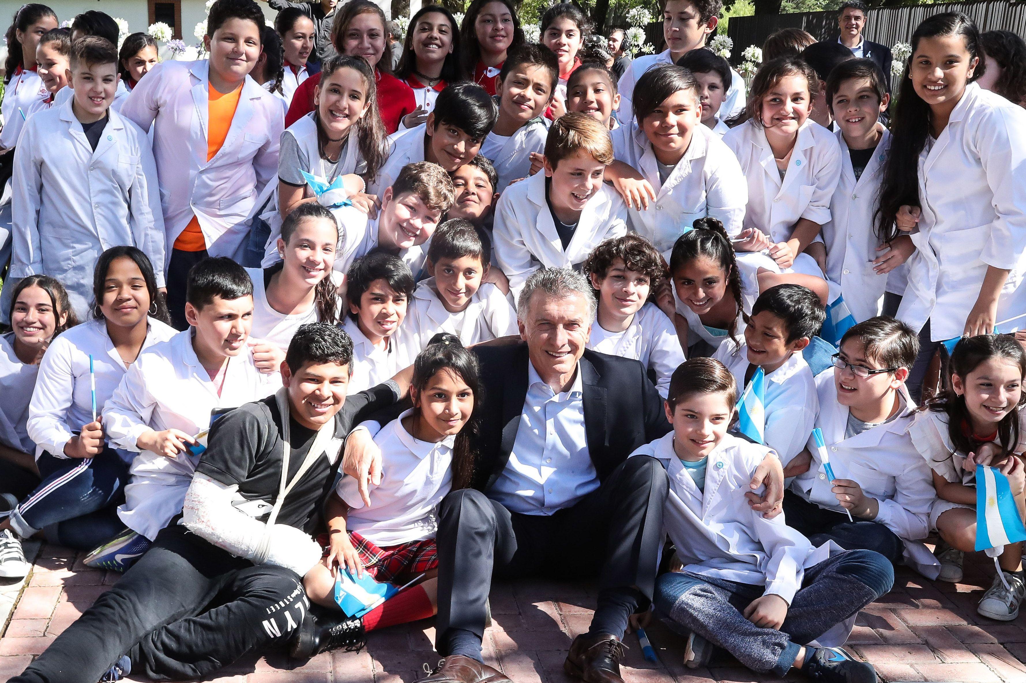 La mayoría decide: el mensaje de Macri por los 35 años de democracia