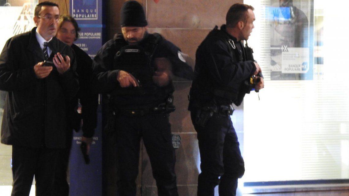 Policías sitiaron la zona