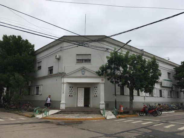 La escuela Normal donde alguna vez concurrieron los chicos que se suicidaron