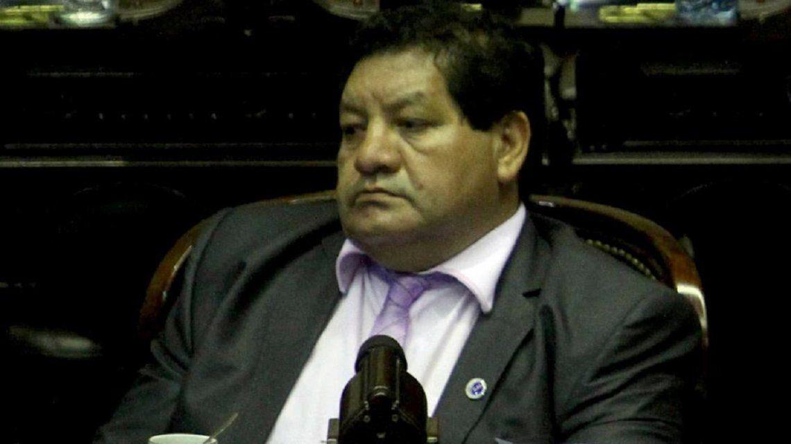 Denuncian por abuso sexual a un diputado tucumano: Me besó en su despacho