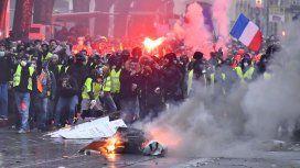 Dos personas murieron tras una nueva jornada de protesta de los chalecos amarillos en París