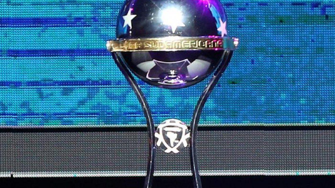 Se sorteó la primera fase de la Copa Sudamericana: con quién jugarán Independiente y Racing