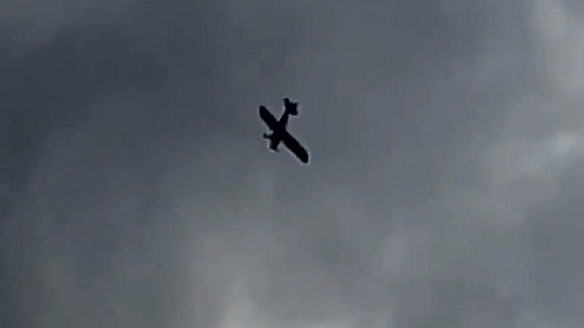 La cargadas a Boca no paran: una avioneta pasó relatando goles de River por el Conurbano