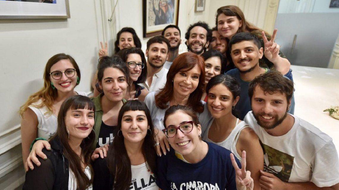 Cristina recibió a la nueva conducción de FUBA y lo compartió en Twitter