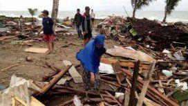 Un tsunami en Indonesia dejó al menos 168 muertos y 750 heridos