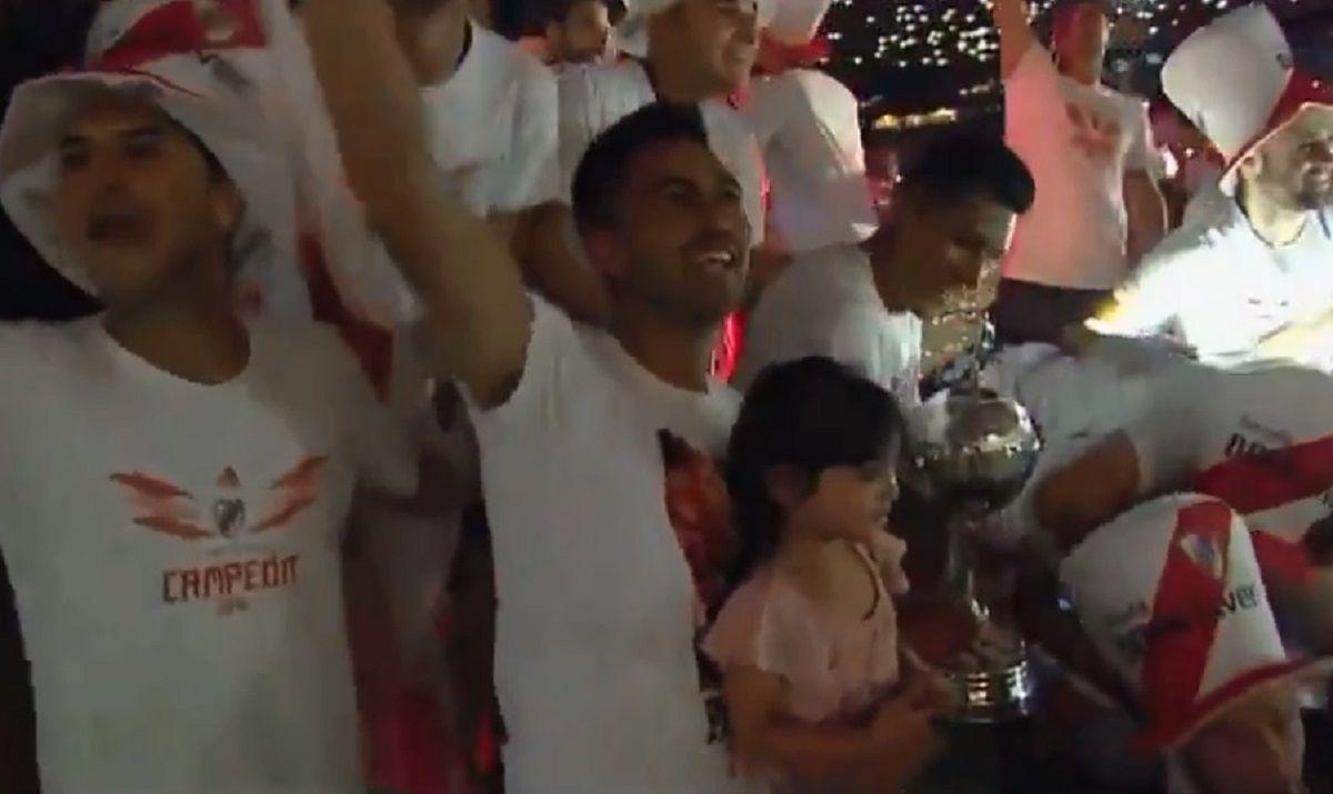 Pity Martínez en el festejo en el Monumental por la Libertadores