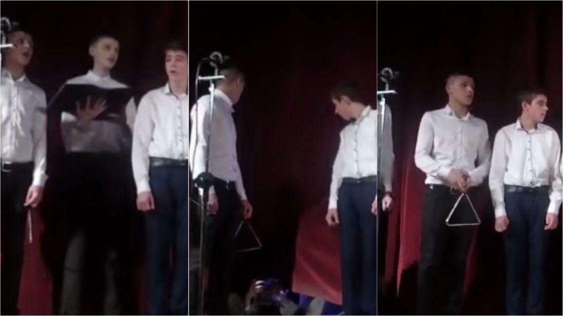 VIDEO: Un corista se desmayó y la indiferencia de sus compañeros se hizo viral