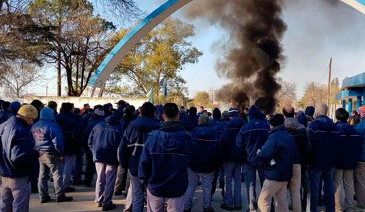 El Gobierno despedirá a más de 50 trabajadores de Fabricaciones Militares