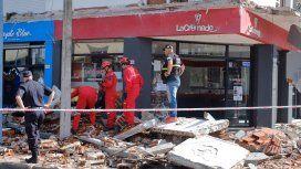 Así fue el derrumbe de los balcones de un edificio en Punta Mogotes