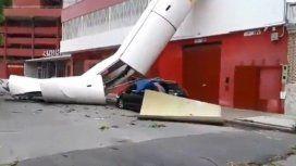 Una antenta se precipitó a metros de la cancha de Independiente como consecuencia del temporal