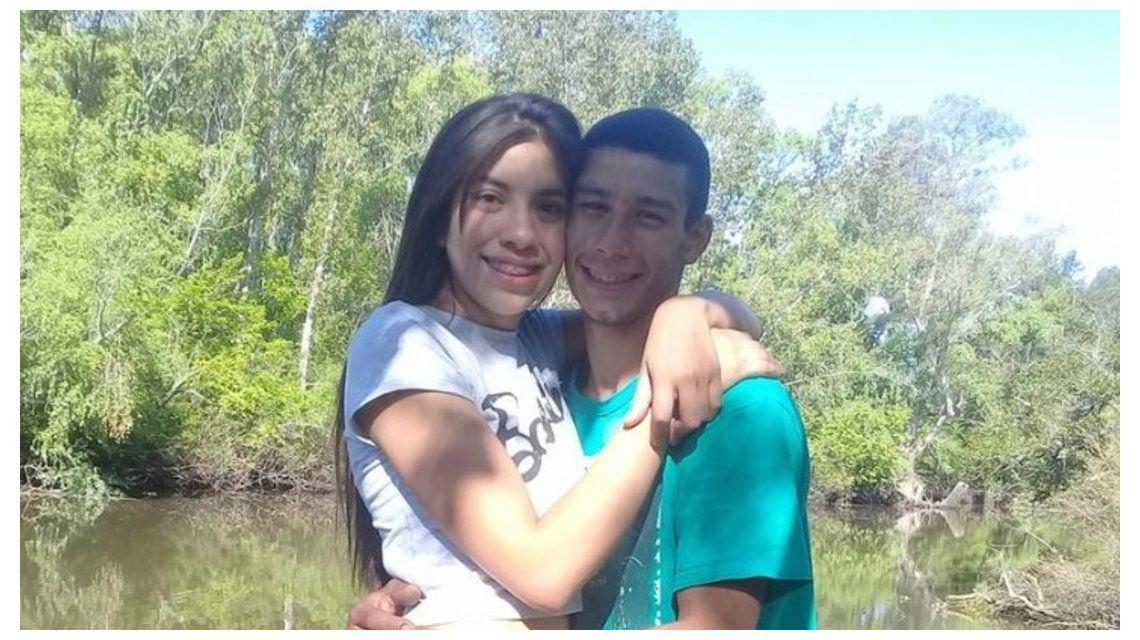 Bianca Garraza junto a su novio