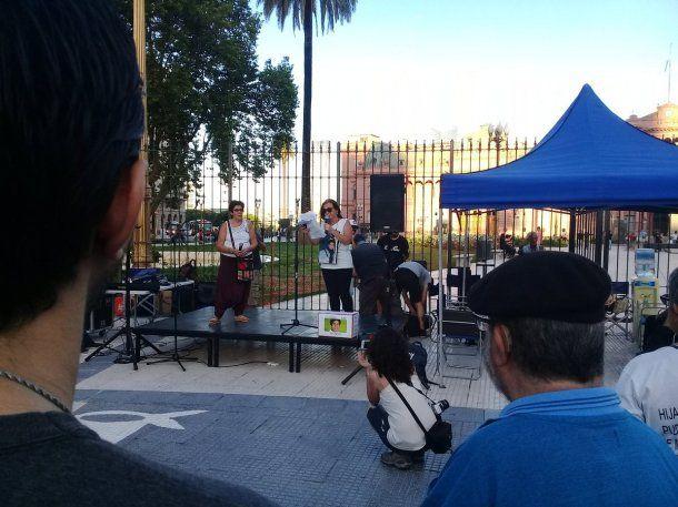 Familiares de víctimas de Cromañón en Plaza de Mayo - Crédito: @marceloramal<div><br></div>