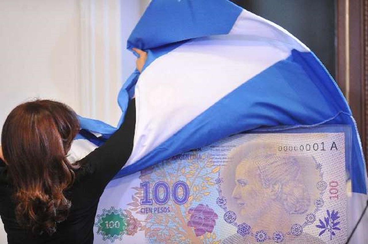 Pagó $2.500 por un billete raro de $100 con la cara de Evita