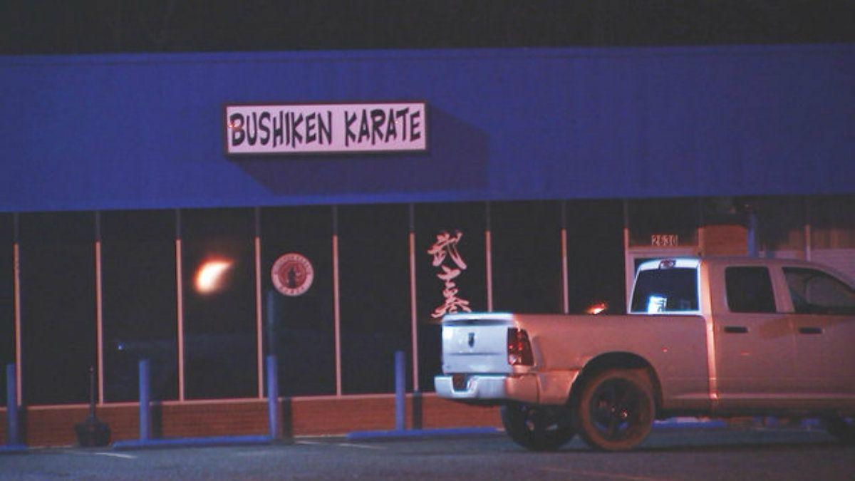Quiso secuestrar a una mujer, la persiguió hasta un estudio de karate y le fue mal