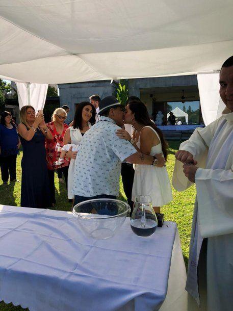 Jana y Diego se saludan emocionados<br>