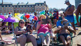 Alquilar una carpa en las playas de Mar del Plata cuesta lo mismo que el hospedaje