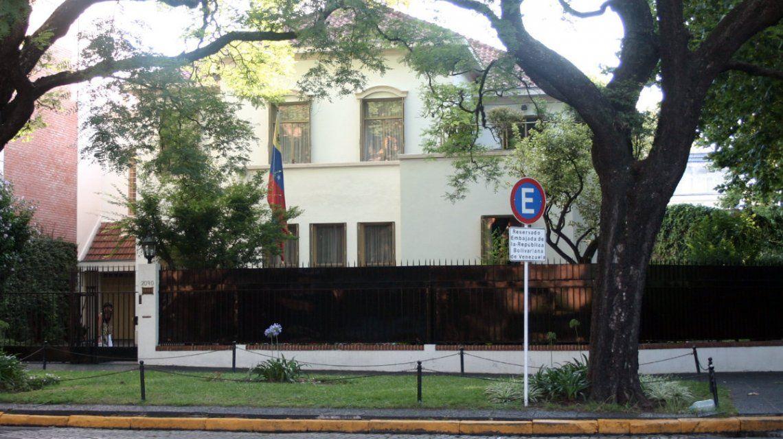 ¿Cómo es el nuevo trámite para que los venezolanos puedan migrar a la Argentina?