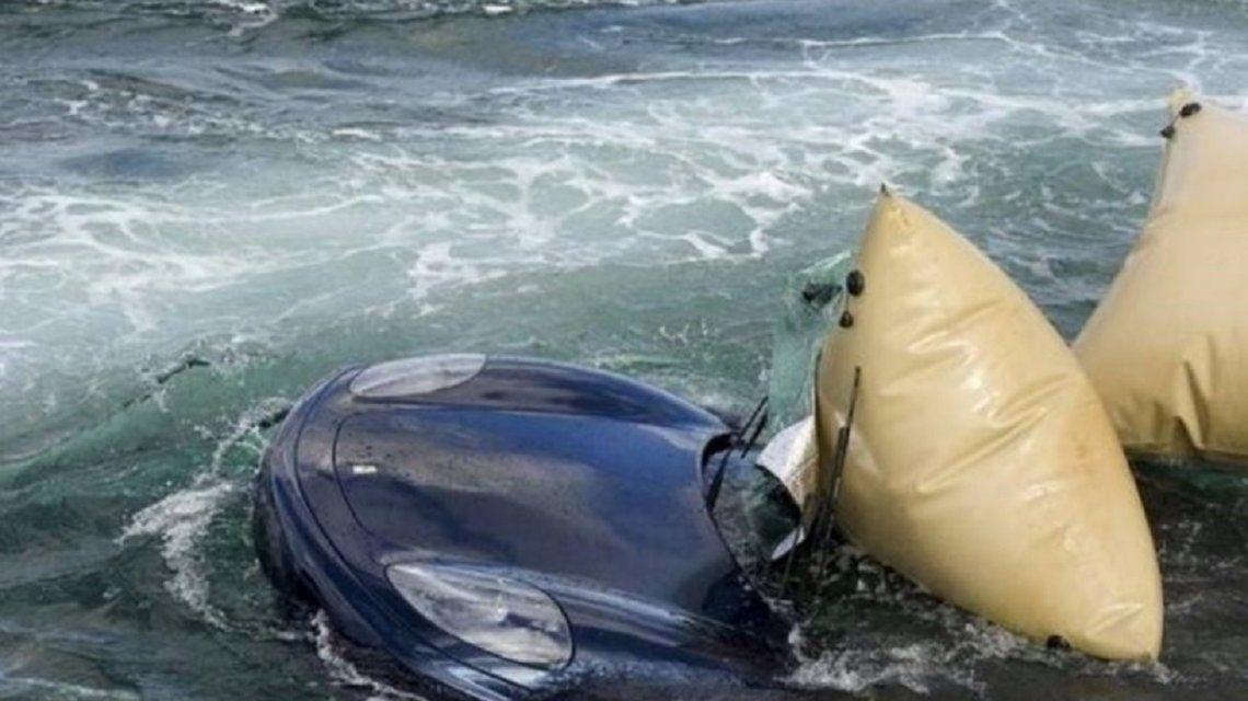 Tiró la Ferrari al agua en Palm Beach - Crédito: Code 3