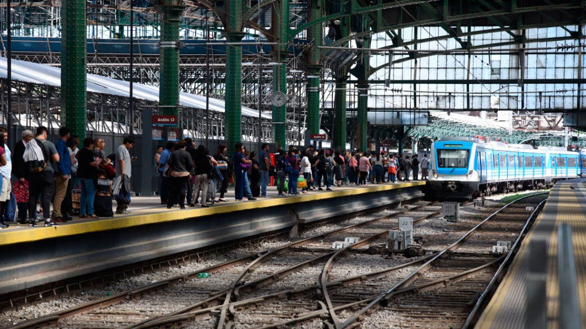 Ferroviarios cerraron una recomposición salarial del 47% para 2018 y casi le empatan a la inflación