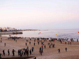 la bacteria de la playa que mato a un hombre en uruguay puede estar en la costa argentina