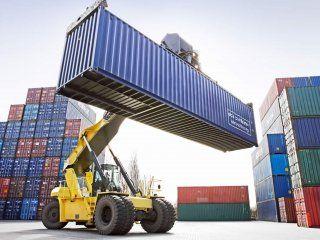 la balanza comercial volvio a arrojar superavit por el desplome del 18,2% de las importaciones