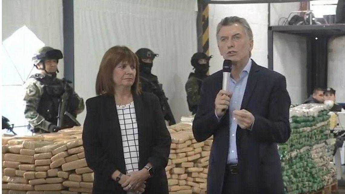 Mauricio Macri junto a la ministra de Seguridad